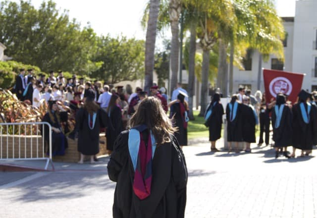 Are college petrochemical engineering students making a good choice? Photo of a group of students graduating